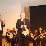 ...und                    die Konzertmeisterin Eveline Tonke